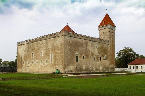 Castle, Baltic States, Estonia, Saaremaa, Kuressaare
