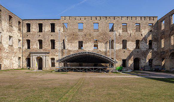 Ruin, Castle, Fortress, Stage, Event, Concert, Location