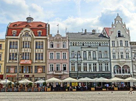 Market Square, Bydgoszcz, Poland, Parasols, Cafes