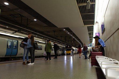 Kiss Goodbye, Thames Link, London Underground
