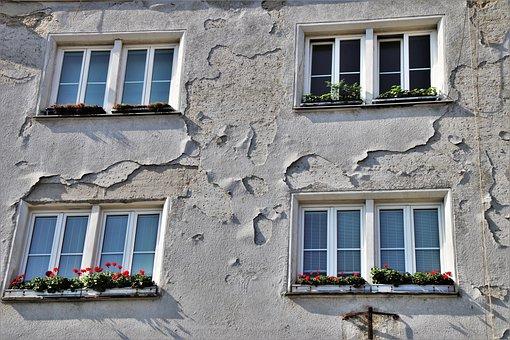 Façades, Bratyslawa, Walls, The Window, Window Sill