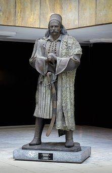 Statue Mark Botsari, War Museum