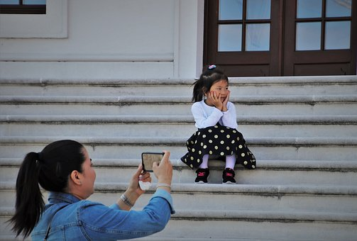 Smartphone, A Smile, Asia, Child, Stairs, Posing, Happy
