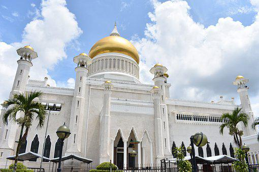 Omar Ali Saifuddien Mosque, Bandar Seri Begawan, Brunei