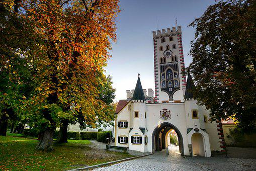 Bayer Gate, Landsberg, Tree, Chestnut Tree