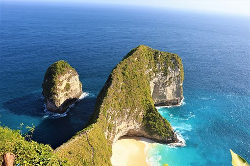 Trex Beach, Nusa Penida, Golden Sand, Bali, Indo