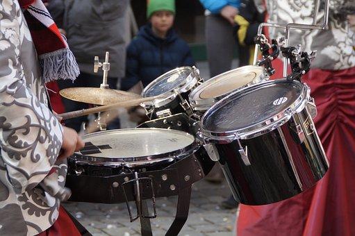 Drums, Karaoke, Musician, Figure, Fool, Haestraeger