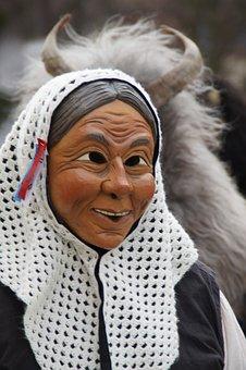 Liz, Woman, Headscarf, Old Woman, Weibla, Fig, Fool
