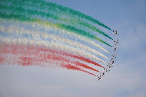 Freccie Tricolori, Italian Acrobatic Patrol, Airplane