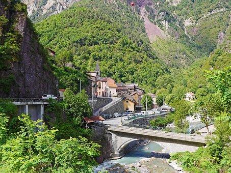 Saint-sauveur-sur-tinée, Maritime Alps, South Of France