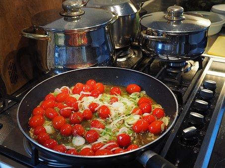 Vegetable Pan, Tomatoes, Leek, Spring Onions