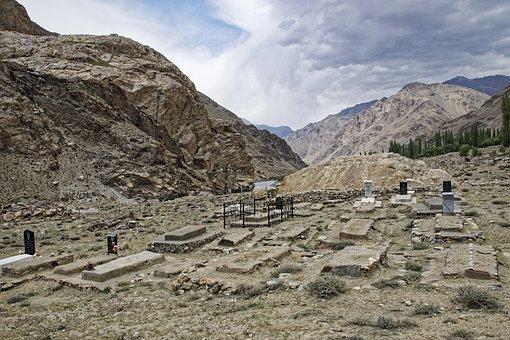 Tajikistan, Cemetery, Province Of Mountain-badakhshan