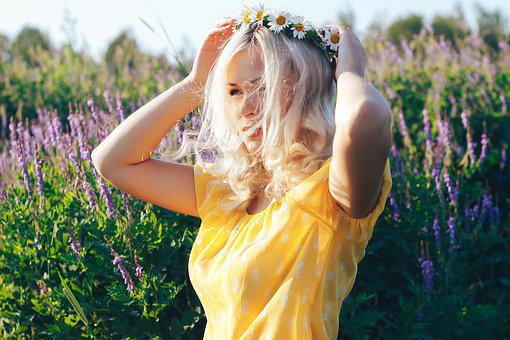 Blonde In The Field, Summer Girl, Summer, Chamomile