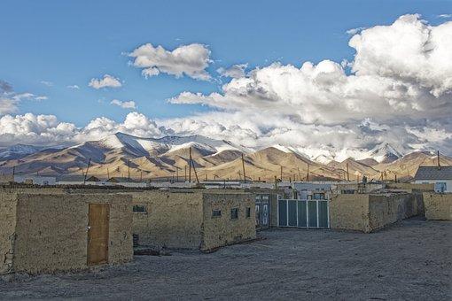 Tajikistan, Karakul, Village, Building