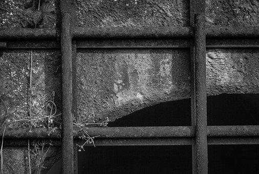Grid, The Passage Of The, Entrance, Black And White