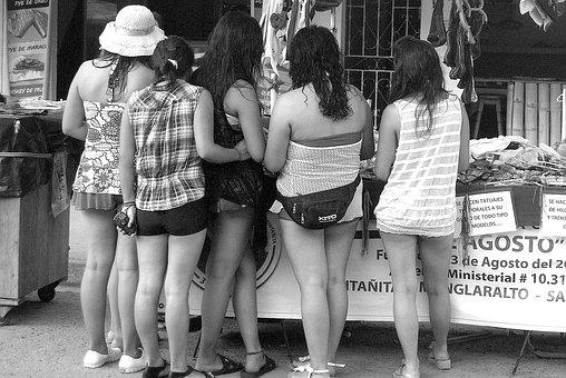 Shopping, Girls, Friends, Street, Montanita, Ecuador