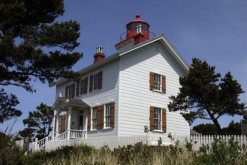 Lighthouse, Building, Coast, Shoreline, Ocean, Sea