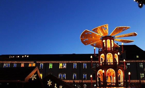 Augsburg, Christmas Market, Bavaria, Pyramid
