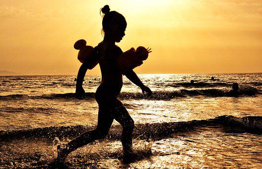 Girl, Silhouette, Child, Water, Water Spalsh