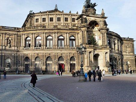 Semper Opera House, Dresden, City