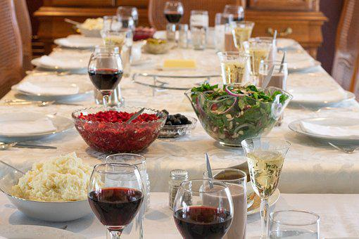 Thanksgiving, Wine, Cranberries, Salad, Table, China