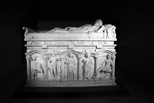 Rapolla, Monuments, Melfi, History, Archaeology