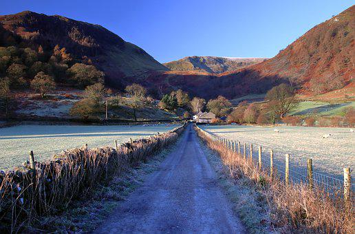 Lane, Lake District, Cumbria, England