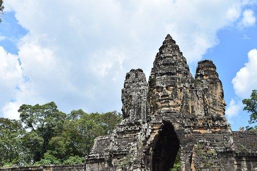 South Gate, Angkor Thom, Siem Reap, Cambodia, Asia