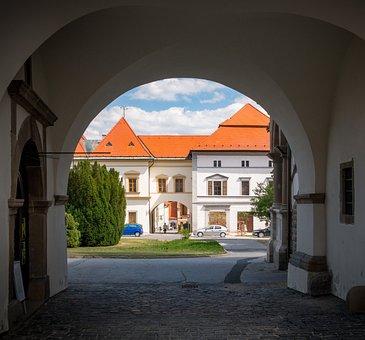 Levoča, Slovakia, Levoca, City, Subway, Building