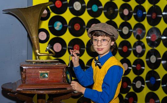 Gramophone, The Gramophone, Records, Vinyl, Boy, Kids