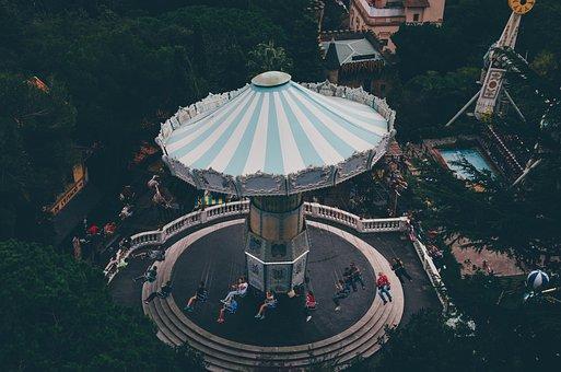 Chain Aviator, Barcelona, Tibidabo, Theme Park, Spain