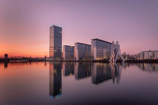 Berlin, Molecule Man, Places Of Interest, Spree