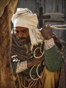 Man, Turban, Indians, Spit