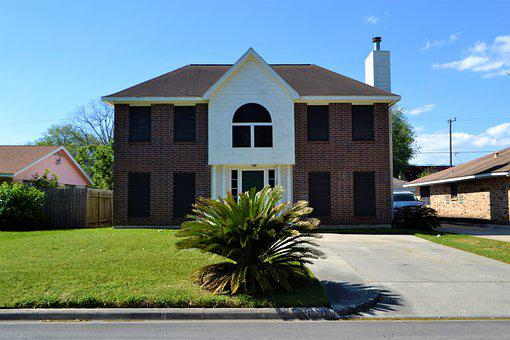 Single Family Home, House, Real-estate, Lawn, Driveway
