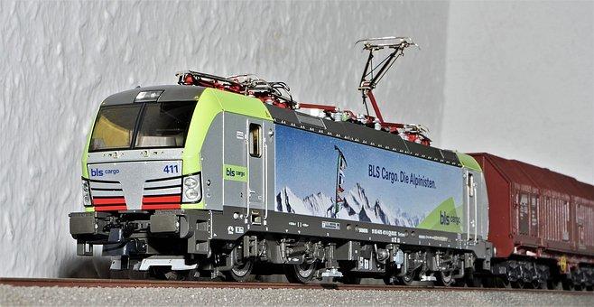 Model Train, Electric Locomotive, Siemens, Vectron