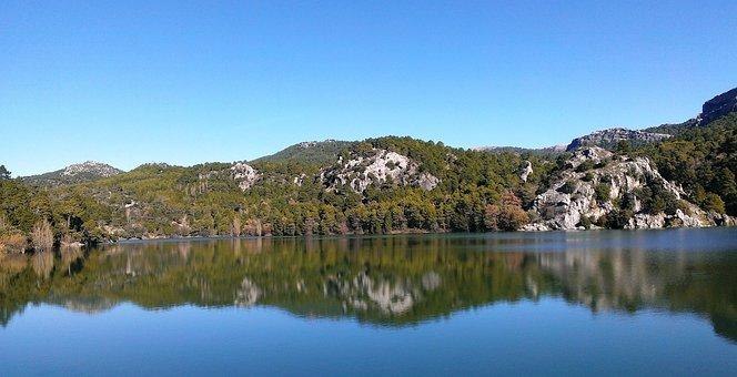 Reservoir Aguascebas, Sierra De Las Villas, Nature