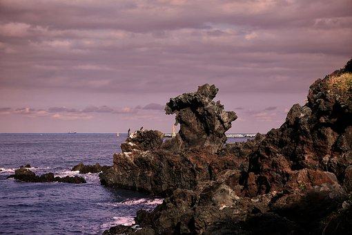 Yongduam Rock, Jeju Island, Korea, Beach