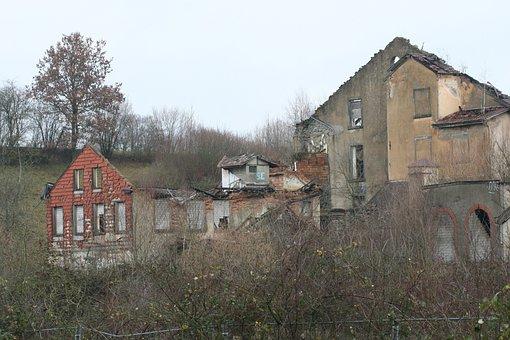 Crash, Object, House, Break Up, Ruin, Old, Abandoned