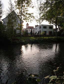 Light, Gera, Water, Erfurt, Live, River, Bank, House