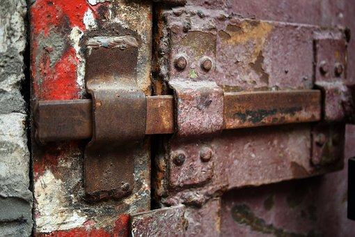 Closed, Door, Hasp, Iron, Castle, Gate Valve, Rust