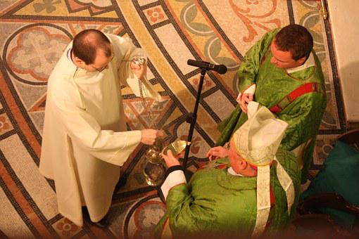 Catholic Liturgy, Incensing At The Mass