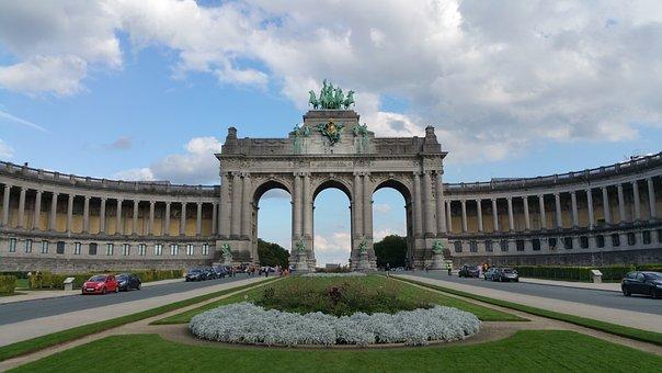 Triumphal Arch, Cinquentenaire Park, Architecture