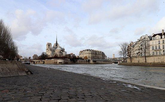 Paris, France, Quai De Seine, île Saint-louis, Pavers