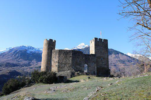 Sainte-marie, Luz-saint-sauveur, Castle, Tourism