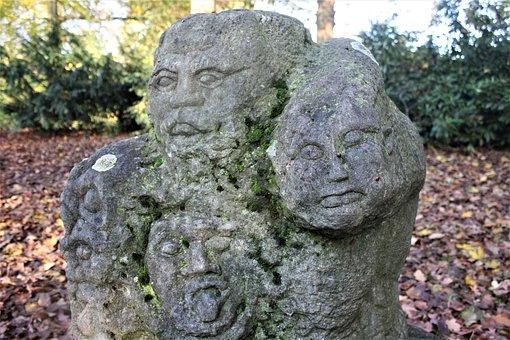Skuptur, Wild Guys, Moss, Patina, Stone Sculpture