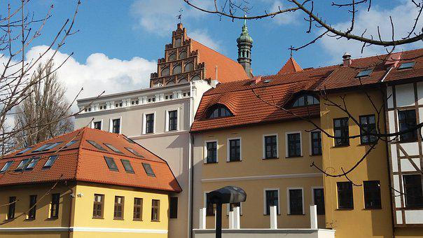 The Old Town, Monuments, Monument, Architecture