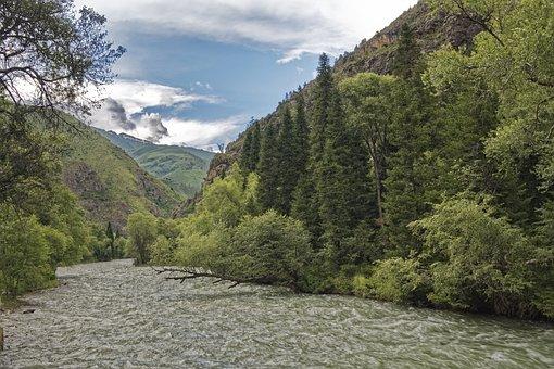 Kyrgyzstan, Chychkan River, Tschytschkan River