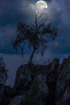 Full Moon, Raven Cliff, Bad Harzburg, Resin, Germany