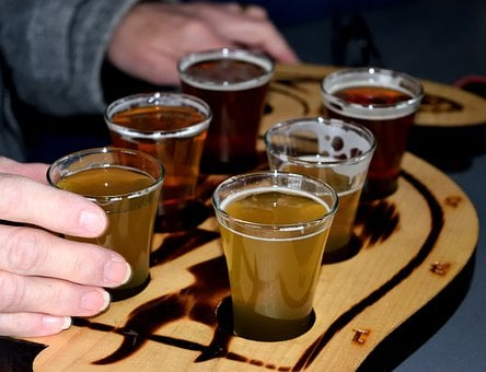 Beer Tasting Flight, Brewery, Alcohol, Ipa, Ale, Table