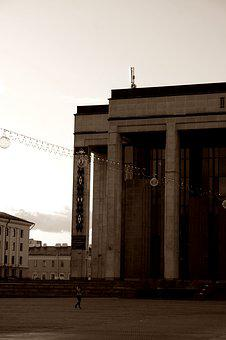 House, Pillar, Minsk, Architecture, Building, Facade